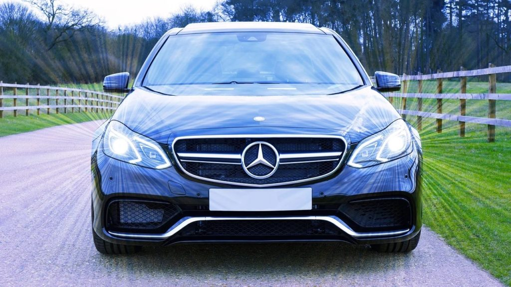 mercedes-car hire for Heathrow airport transfers
